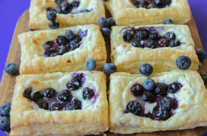 Blueberry Cream Cheese Pastry (Vegan)